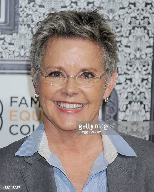 Amanda Bearse Nude Photos 17