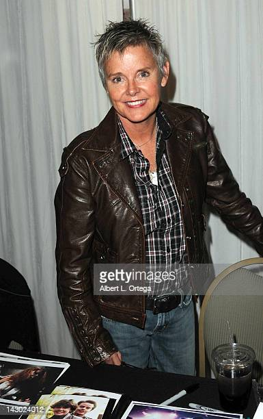 Amanda Bearse Nude Photos 10