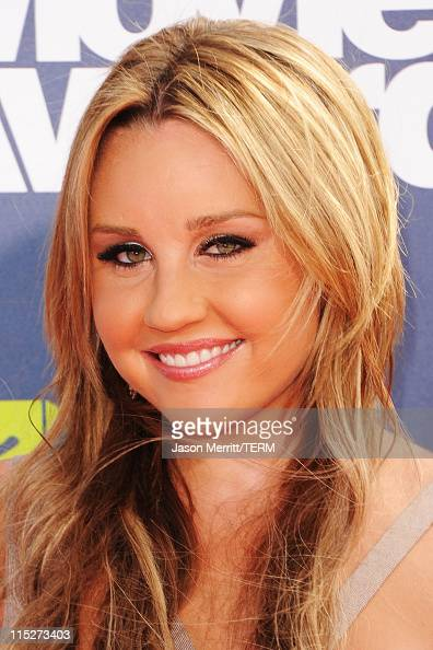 Actress Amanda Bynes arrives at the 2011 MTV Movie Awards at Universal Studios' Gibson Amphitheatre on June 5 2011 in Universal City California