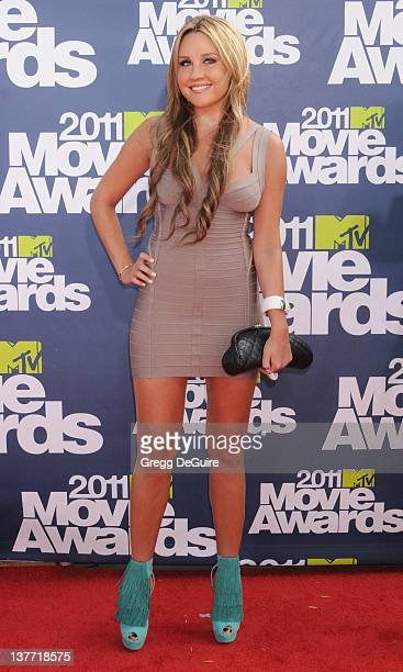 Actress Amanda Bynes arrives at the 2011 MTV Movie Awards at the Gibson Amphitheatre on June 5 2011 in Universal City California