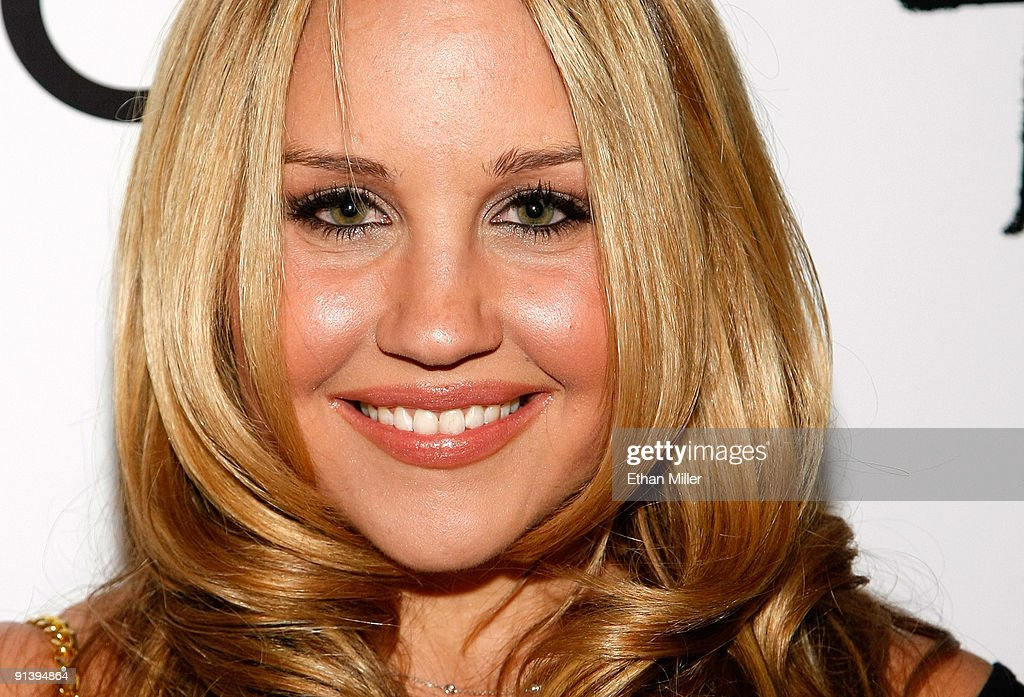 Actress <a gi-track='captionPersonalityLinkClicked' href=/galleries/search?phrase=Amanda+Bynes&family=editorial&specificpeople=201660 ng-click='$event.stopPropagation()'>Amanda Bynes</a> arrives at the Tao Nightclub at the Venetian Resort Hotel Casino during the club's four-year anniversary party October 3, 2009 in Las Vegas, Nevada.