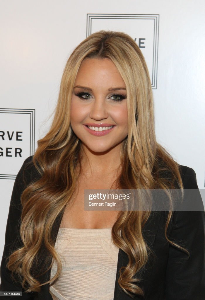 Actress <a gi-track='captionPersonalityLinkClicked' href=/galleries/search?phrase=Amanda+Bynes&family=editorial&specificpeople=201660 ng-click='$event.stopPropagation()'>Amanda Bynes</a> attends Herve Leger By Max Azria Spring 2010 during Mercedes-Benz Fashion Week at Bryant Park on September 13, 2009 in New York City.