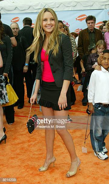 Actress Amanda Bynes attends Nickelodeon's 17th Annual Kids' Choice Awards at Pauley Pavilion on the campus of UCLA April 3 2004 in Westwood...
