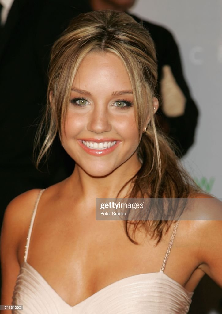 Actress Amanda Bynes attends the 2006 CFDA Awards at the New York Public Library on June 5, 2006 in New York City.