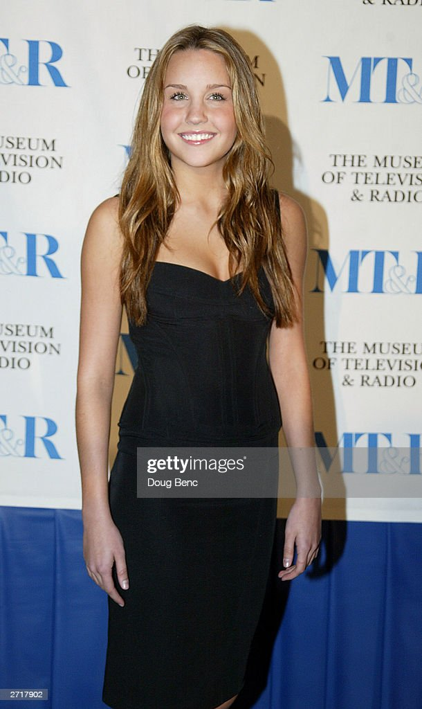 Actress <a gi-track='captionPersonalityLinkClicked' href=/galleries/search?phrase=Amanda+Bynes&family=editorial&specificpeople=201660 ng-click='$event.stopPropagation()'>Amanda Bynes</a> before the Museum of Television & Radio's Annual Los Angeles Gala on November 10, 2003 at the Beverly Hills Hotel in Beverly Hills, California.
