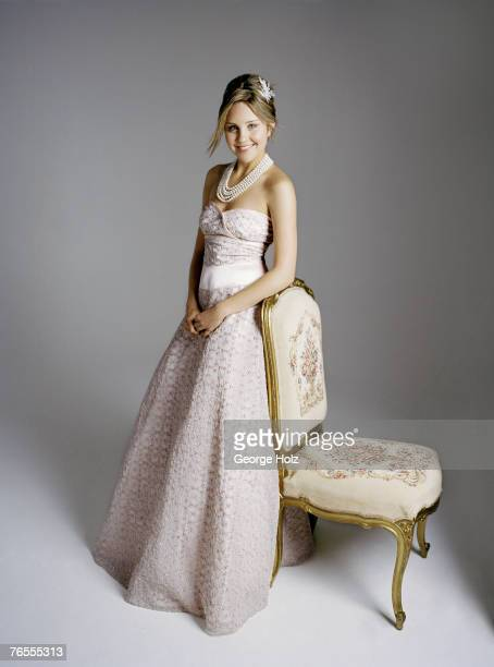 Actress Amanda Bynes is photographed for Seventeen Prom on September 8 2005 in Los Angeles California