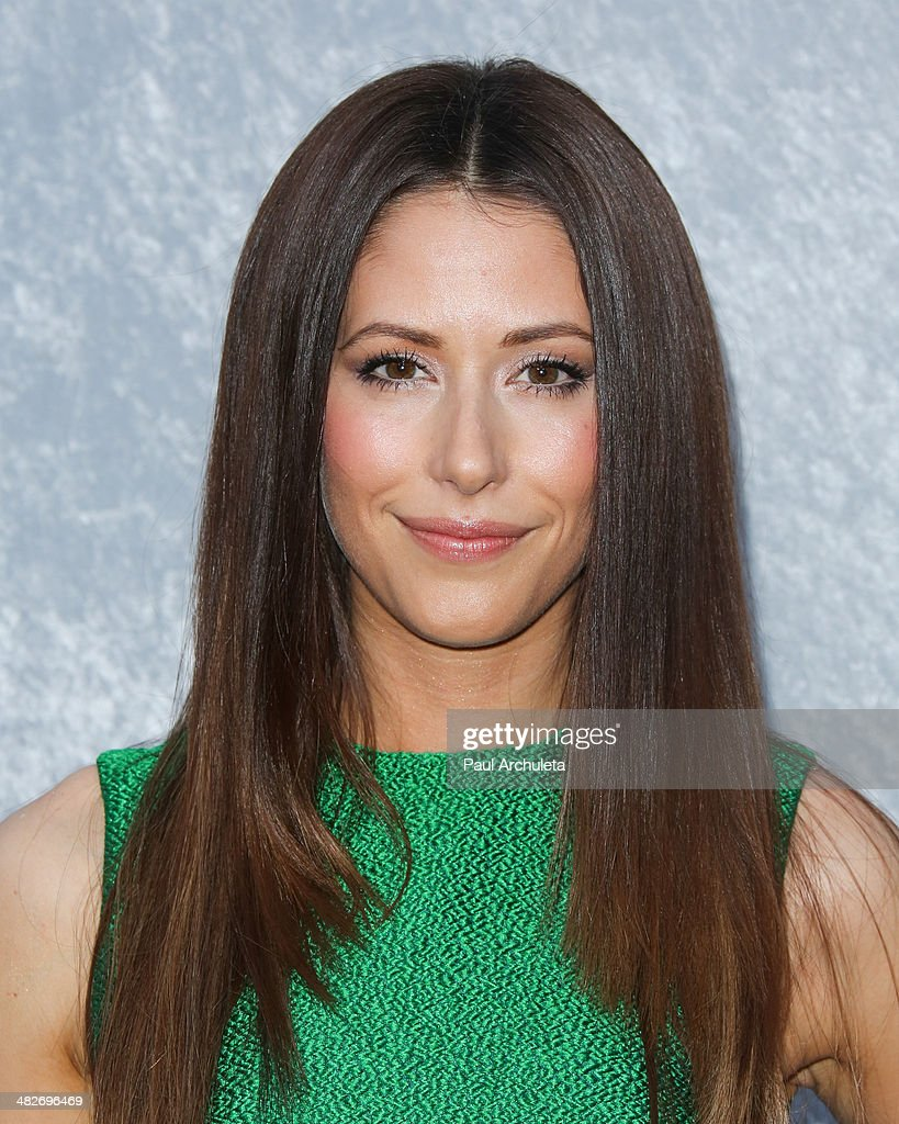 Actress Amanda Crew attends the premiere of HBO's 'Silicon Valley' at Paramount Studios on April 3, 2014 in Hollywood, California.