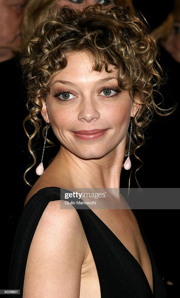 Actress Amanda Detmer Warren arrives at the 13th Annual Night of 100 Stars Oscar Viewing Black Tie Gala, February 29, 2004 at the Beverly Hills Hotel in Beverly Hills, California.
