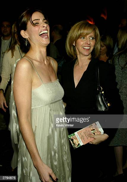 Actress Amanda Peet and Director Nancy Meyers arrive to the Los Angeles Premiere of Columbia Pictures'/Warner Brothers' Pictures 'Something's Gotta...