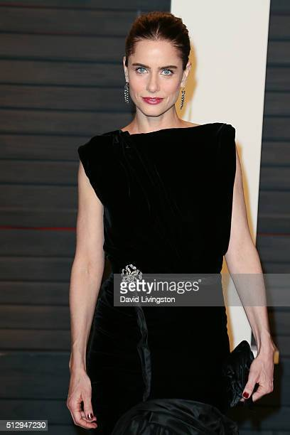 Actress Amanda Peet arrives at the 2016 Vanity Fair Oscar Party Hosted by Graydon Carter at the Wallis Annenberg Center for the Performing Arts on...