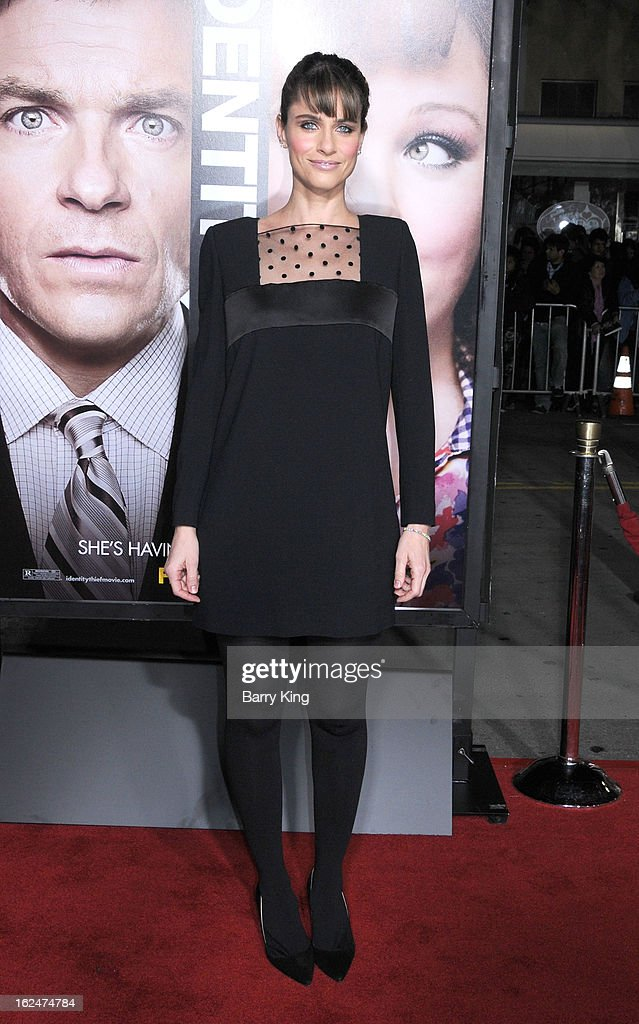 Actress <a gi-track='captionPersonalityLinkClicked' href=/galleries/search?phrase=Amanda+Peet&family=editorial&specificpeople=201910 ng-click='$event.stopPropagation()'>Amanda Peet</a> arrives at the Los Angeles premiere of 'Identity Thief' held at Mann Village Theatre on February 4, 2013 in Westwood, California.
