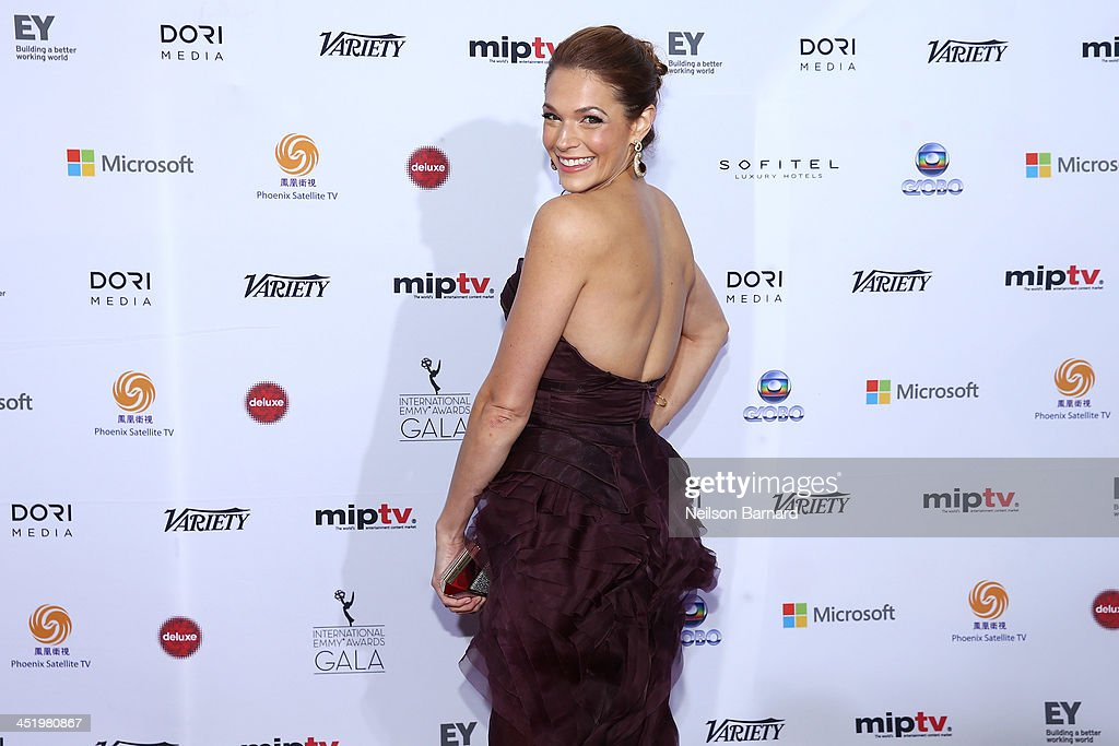 Actress <a gi-track='captionPersonalityLinkClicked' href=/galleries/search?phrase=Amanda+Righetti&family=editorial&specificpeople=226986 ng-click='$event.stopPropagation()'>Amanda Righetti</a> attends the 41st International Emmy Awards at the Hilton New York on November 25, 2013 in New York City.