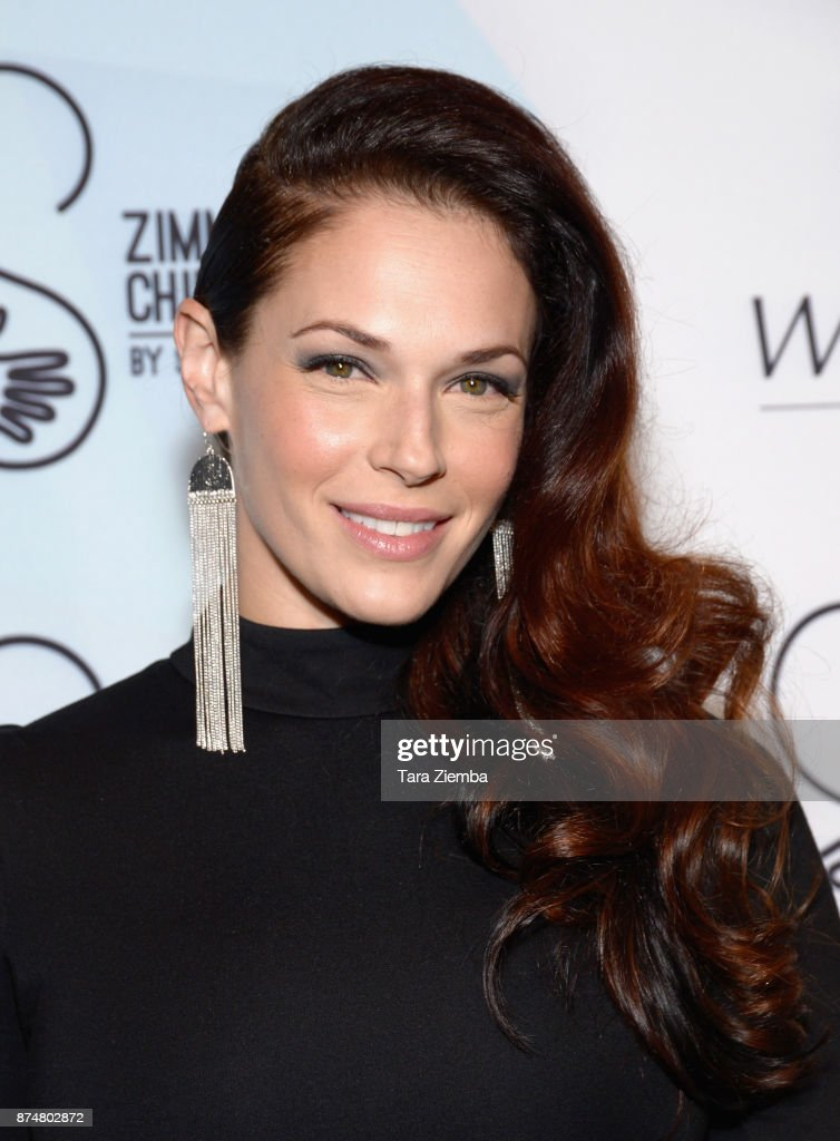 Actress Amanda Righetti attends the Zimmer Children's Museum's 17th Annual Discovery Award Dinner at Skirball Cultural Center on November 15, 2017 in Los Angeles, California.
