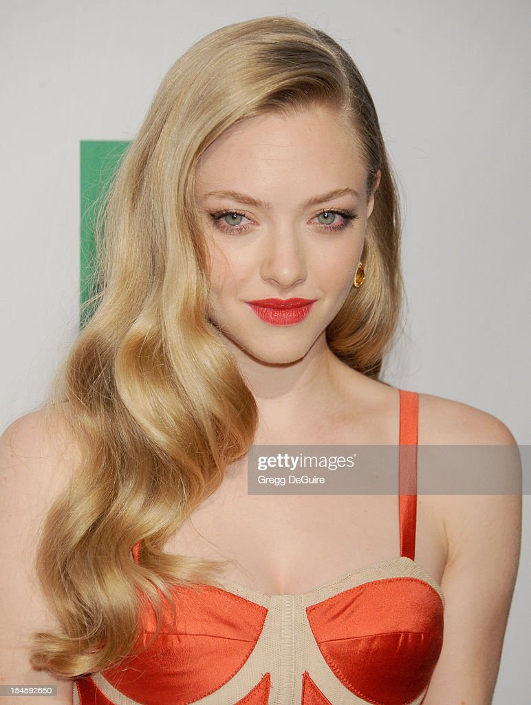 Actress <a gi-track='captionPersonalityLinkClicked' href=/galleries/search?phrase=Amanda+Seyfried&family=editorial&specificpeople=216619 ng-click='$event.stopPropagation()'>Amanda Seyfried</a> arrives at the 16th Annual Hollywood Film Awards Gala presented by the Los Angeles Times at The Beverly Hilton Hotel on October 22, 2012 in Beverly Hills, California.