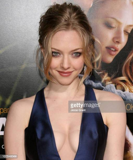 Actress Amanda Seyfried arrives at the 'Dear John' World Premiere held at Grauman's Chinese Theatre on February 1 2010 in Hollywood California