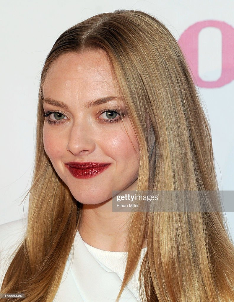 Actress <a gi-track='captionPersonalityLinkClicked' href=/galleries/search?phrase=Amanda+Seyfried&family=editorial&specificpeople=216619 ng-click='$event.stopPropagation()'>Amanda Seyfried</a> arrives at the Las Vegas premiere of the movie 'Lovelace' at Planet Hollywood Resort & Casino on August 4, 2013 in Las Vegas, Nevada.
