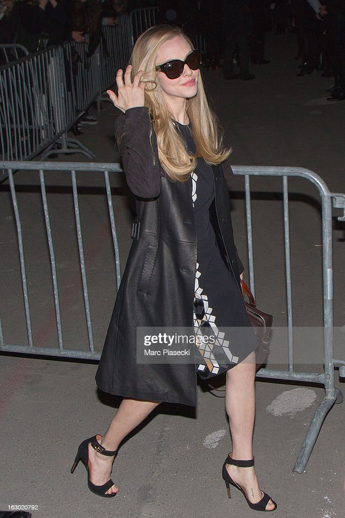 Actress <a gi-track='captionPersonalityLinkClicked' href=/galleries/search?phrase=Amanda+Seyfried&family=editorial&specificpeople=216619 ng-click='$event.stopPropagation()'>Amanda Seyfried</a> arrives to attend the 'Givenchy' Fall/Winter 2013 Ready-to-Wear show as part of Paris Fashion Week on March 3, 2013 in Paris, France.