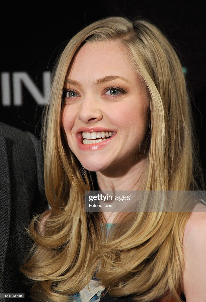Actress <a gi-track='captionPersonalityLinkClicked' href=/galleries/search?phrase=Amanda+Seyfried&family=editorial&specificpeople=216619 ng-click='$event.stopPropagation()'>Amanda Seyfried</a> attends a photocall for 'In Time' at the Villamagna Hotel on November 3, 2011 in Madrid, Spain.
