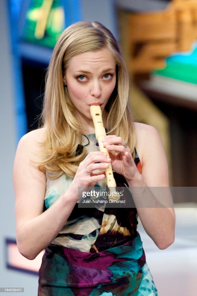 Actress <a gi-track='captionPersonalityLinkClicked' href=/galleries/search?phrase=Amanda+Seyfried&family=editorial&specificpeople=216619 ng-click='$event.stopPropagation()'>Amanda Seyfried</a> attends 'El Hormiguero' TV show at Vertice Studio on November 28, 2011 in Madrid, Spain.