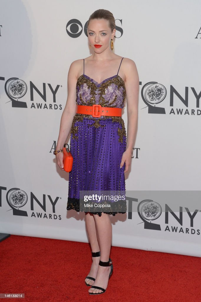 Actress <a gi-track='captionPersonalityLinkClicked' href=/galleries/search?phrase=Amanda+Seyfried&family=editorial&specificpeople=216619 ng-click='$event.stopPropagation()'>Amanda Seyfried</a> attends the 66th Annual Tony Awards at The Beacon Theatre on June 10, 2012 in New York City.