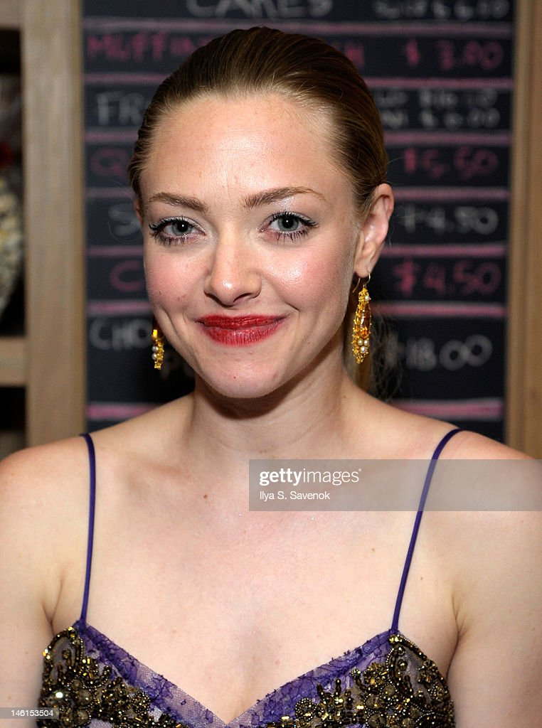 Actress <a gi-track='captionPersonalityLinkClicked' href=/galleries/search?phrase=Amanda+Seyfried&family=editorial&specificpeople=216619 ng-click='$event.stopPropagation()'>Amanda Seyfried</a> attends the 66th Annual Tony Awards at The Plaza Hotel on June 10, 2012 in New York City.