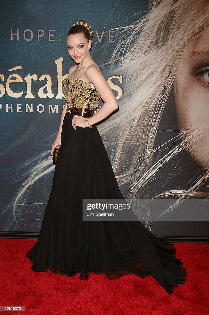Actress <a gi-track='captionPersonalityLinkClicked' href=/galleries/search?phrase=Amanda+Seyfried&family=editorial&specificpeople=216619 ng-click='$event.stopPropagation()'>Amanda Seyfried</a> attends the 'Les Miserables' New York Premiere at Ziegfeld Theatre on December 10, 2012 in New York City.