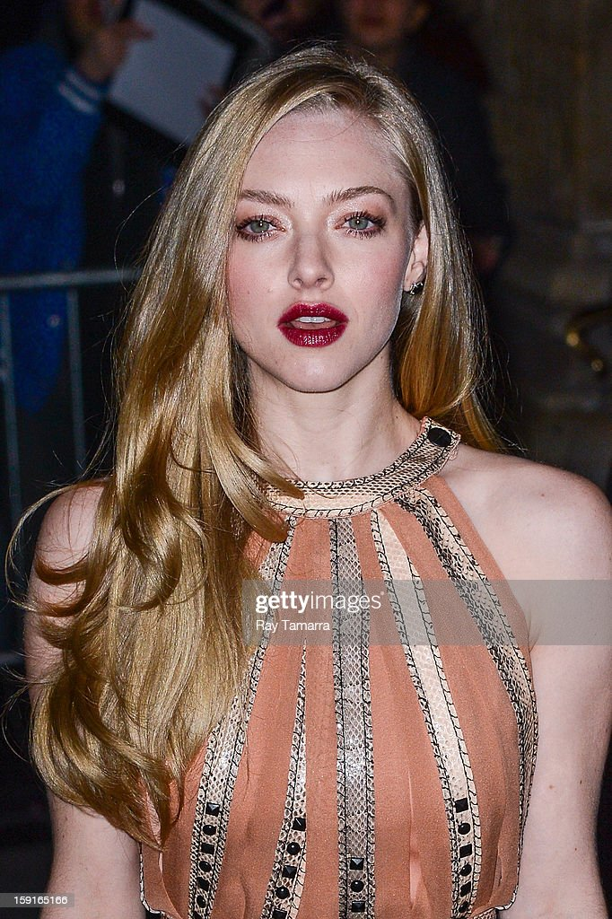Actress <a gi-track='captionPersonalityLinkClicked' href=/galleries/search?phrase=Amanda+Seyfried&family=editorial&specificpeople=216619 ng-click='$event.stopPropagation()'>Amanda Seyfried</a> enters Cipriani 42nd Street on January 8, 2013 in New York City.