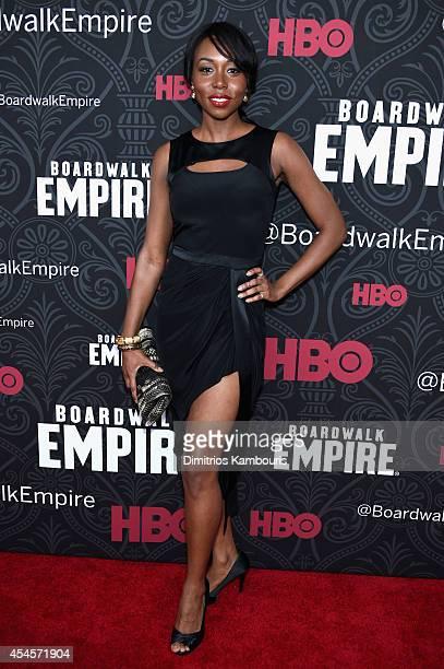 Actress Amanda Warren attends HBO's 'Boardwalk Empire' Season Five New York Premiere at Ziegfeld Theatre on September 3 2014 in New York City