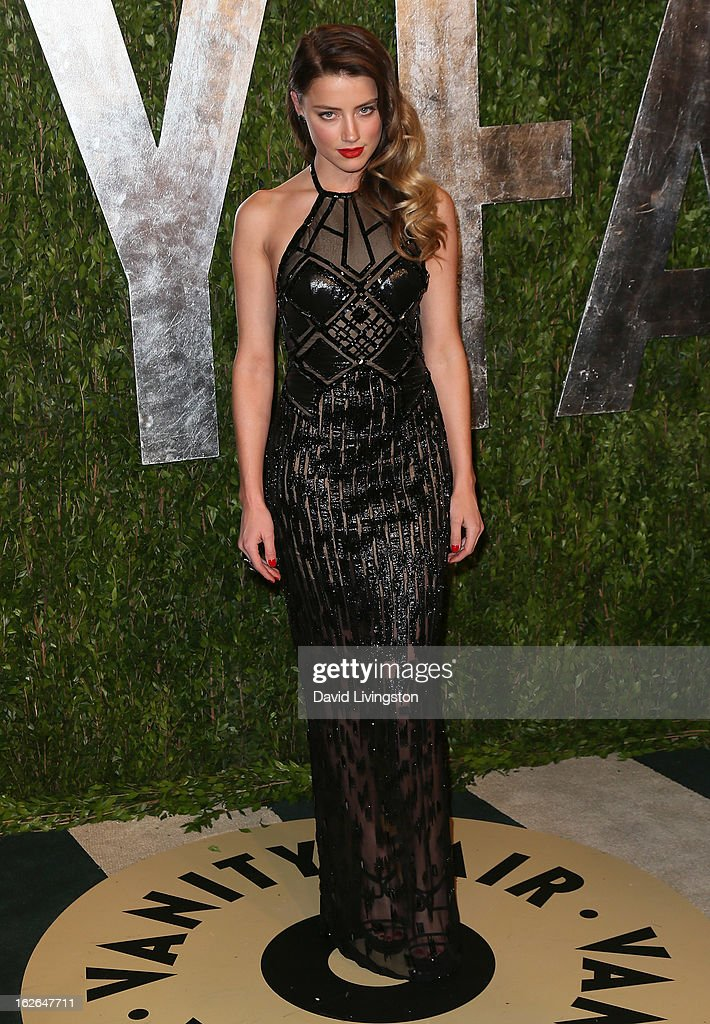 Actress Amber Heard attends the 2013 Vanity Fair Oscar Party at the Sunset Tower Hotel on February 24, 2013 in West Hollywood, California.