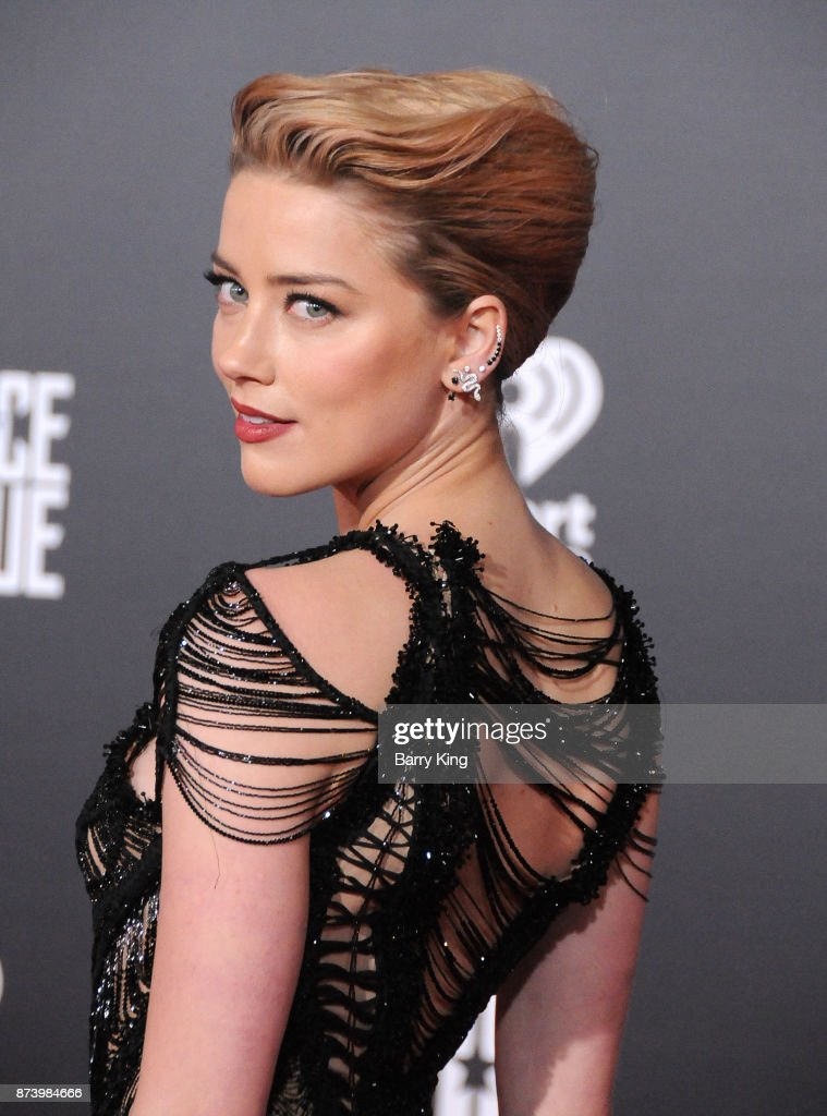 Actress Amber Heard attends the premiere of Warner Bros. Pictures' 'Justice League' at Dolby Theatre on November 13, 2017 in Hollywood, California.