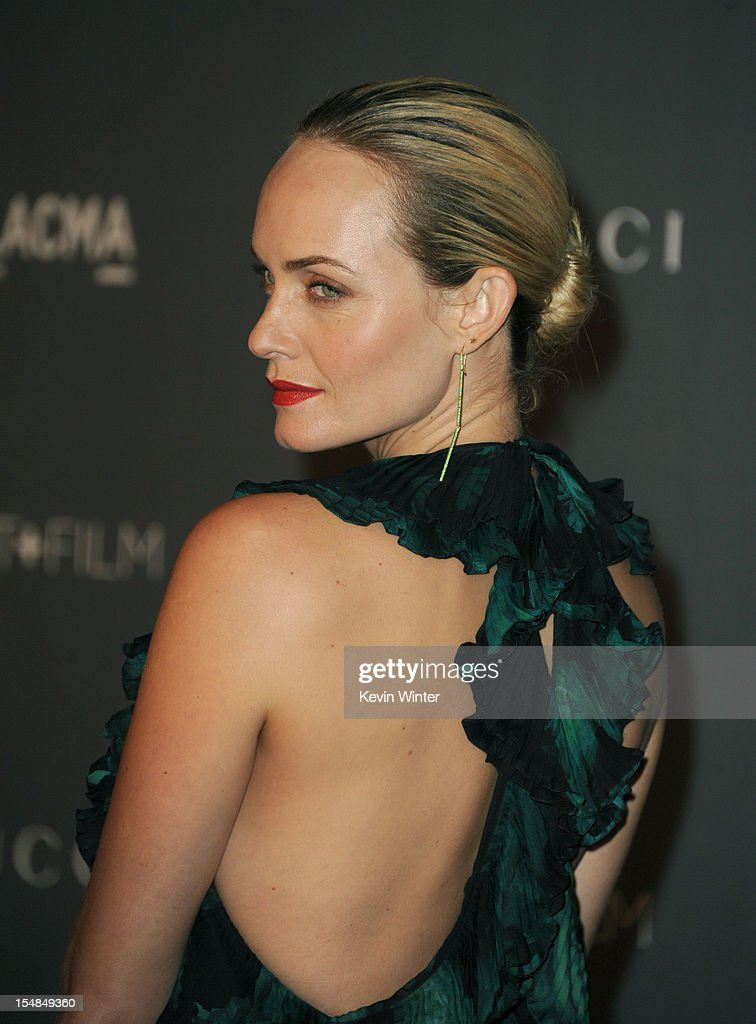 Actress Amber Valletta arrives at LACMA 2012 Art + Film Gala at LACMA on October 27, 2012 in Los Angeles, California.
