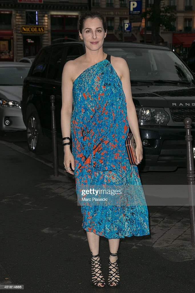 Actress <a gi-track='captionPersonalityLinkClicked' href=/galleries/search?phrase=Amira+Casar&family=editorial&specificpeople=239076 ng-click='$event.stopPropagation()'>Amira Casar</a> arrives to attend the Dior Private Dinner as part of Paris Fashion Week - Haute Couture Fall/Winter 2014-2015 at on July 7, 2014 in Paris, France.