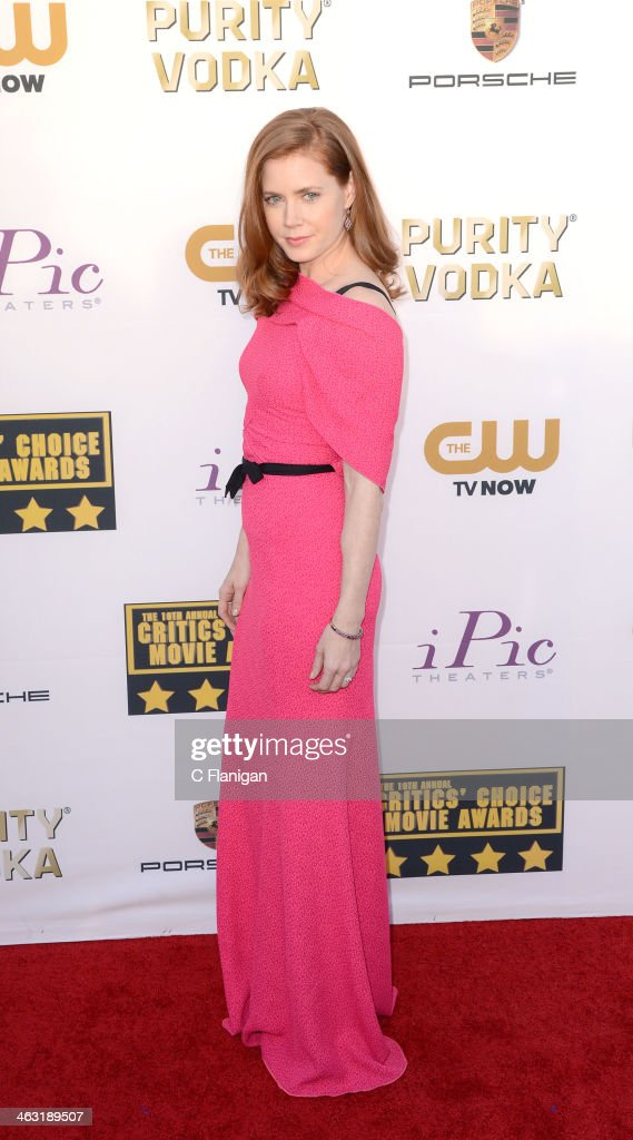 Actress Amy Adams arrives at the 19th Annual Critics' Choice Movie Awards at Barker Hangar on January 16, 2014 in Santa Monica, California.