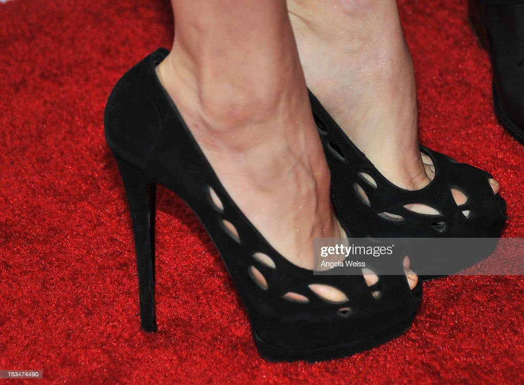 Actress Amy Adams (shoe detail) arrives at the 8th annual GSLEN Respect Awards at Beverly Hills Hotel on October 5, 2012 in Beverly Hills, California.