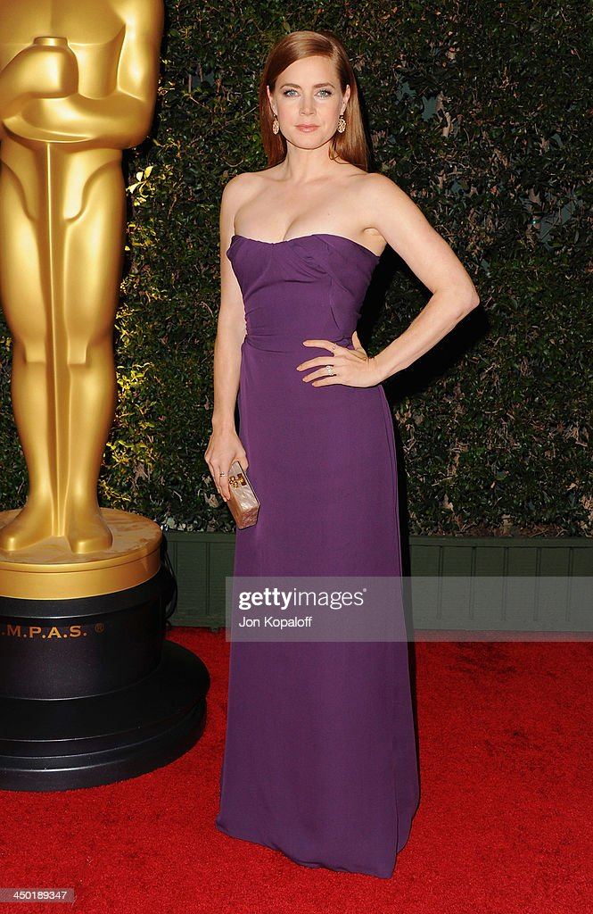 Actress <a gi-track='captionPersonalityLinkClicked' href=/galleries/search?phrase=Amy+Adams&family=editorial&specificpeople=213938 ng-click='$event.stopPropagation()'>Amy Adams</a> arrives at The Board Of Governors Of The Academy Of Motion Picture Arts And Sciences' Governor Awards at Dolby Theatre on November 16, 2013 in Hollywood, California.
