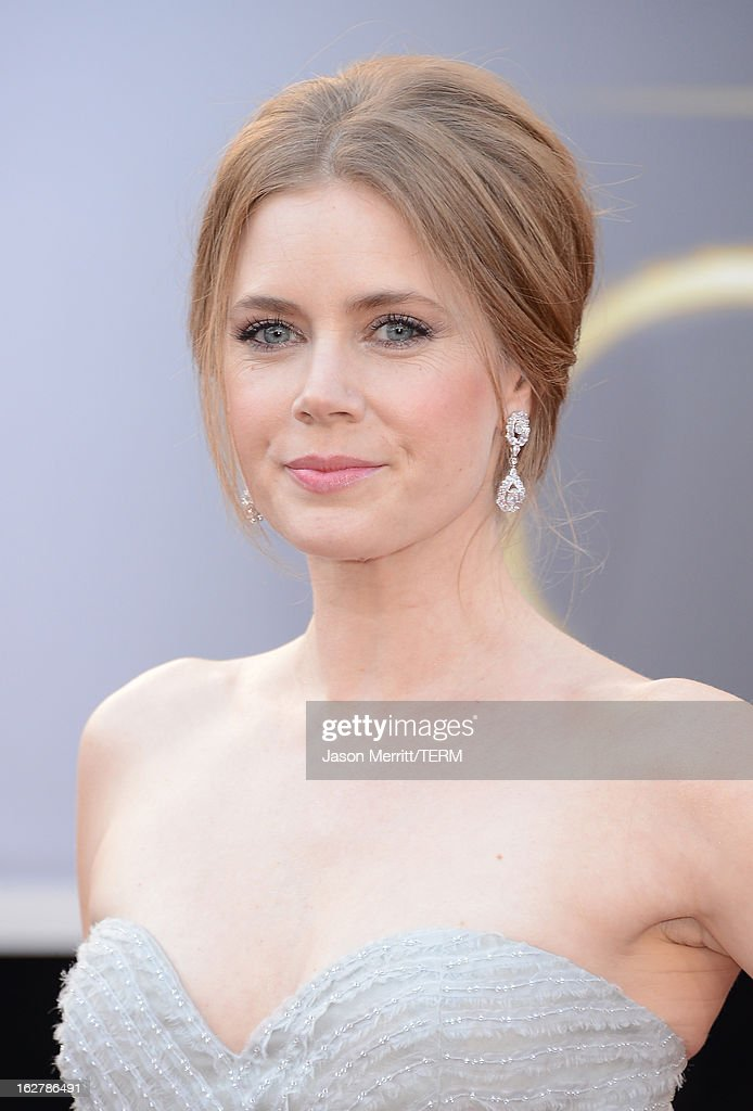 Actress Amy Adams arrives at the Oscars at Hollywood & Highland Center on February 24, 2013 in Hollywood, California.
