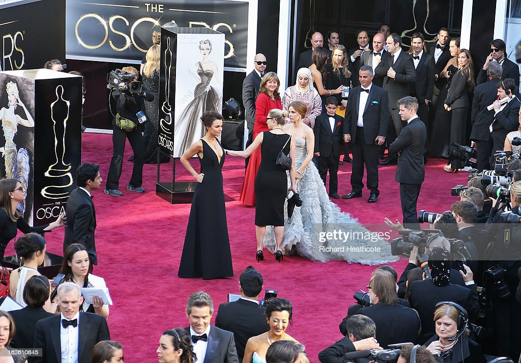 Actress Amy Adams arrives at the Oscars held at Hollywood & Highland Center on February 24, 2013 in Hollywood, California.