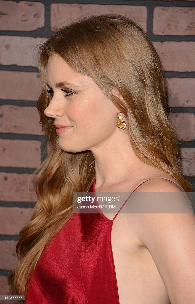 Actress Amy Adams arrives at Warner Bros. Pictures' 'Trouble With The Curve' premiere at Regency Village Theatre on September 19, 2012 in Westwood, California.