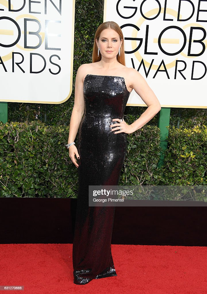 actress-amy-adams-attends-the-74th-annual-golden-globe-awards-held-at-picture-id631270688