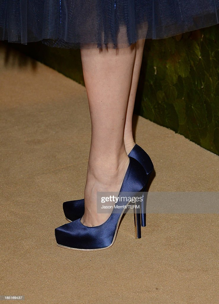 Actress Amy Adams, wearing Ferragamo (shoe detail), arrives at the Wallis Annenberg Center for the Performing Arts Inaugural Gala presented by Salvatore Ferragamo at the Wallis Annenberg Center for the Performing Arts on October 17, 2013 in Beverly Hills, California.