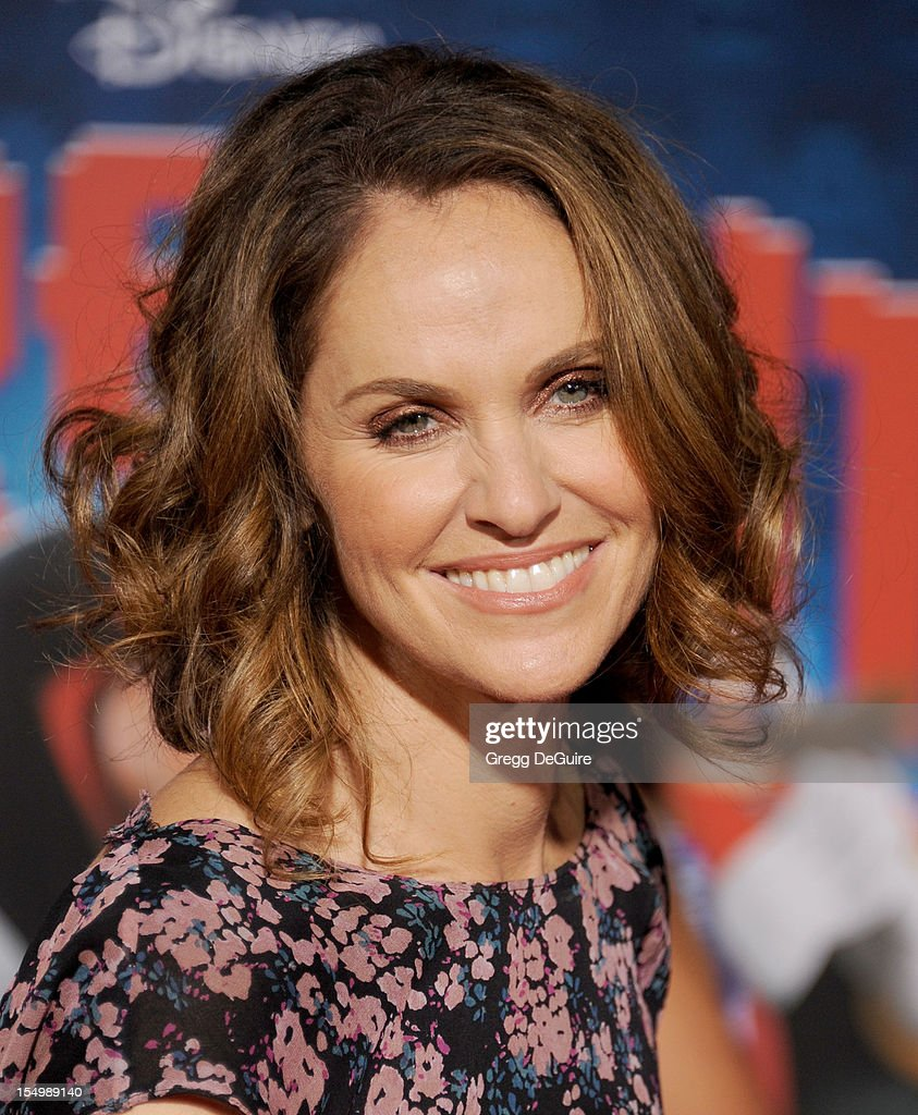 Actress Amy Brenneman arrives at the Los Angeles premiere of 'Wreck-It Ralph' at the El Capitan Theatre on October 29, 2012 in Hollywood, California.