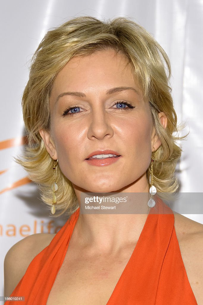 Actress Amy Carlson attends the 2012 A Funny Thing Happened On The Way To Cure Parkinson's at The Waldorf=Astoria on November 10, 2012 in New York City.