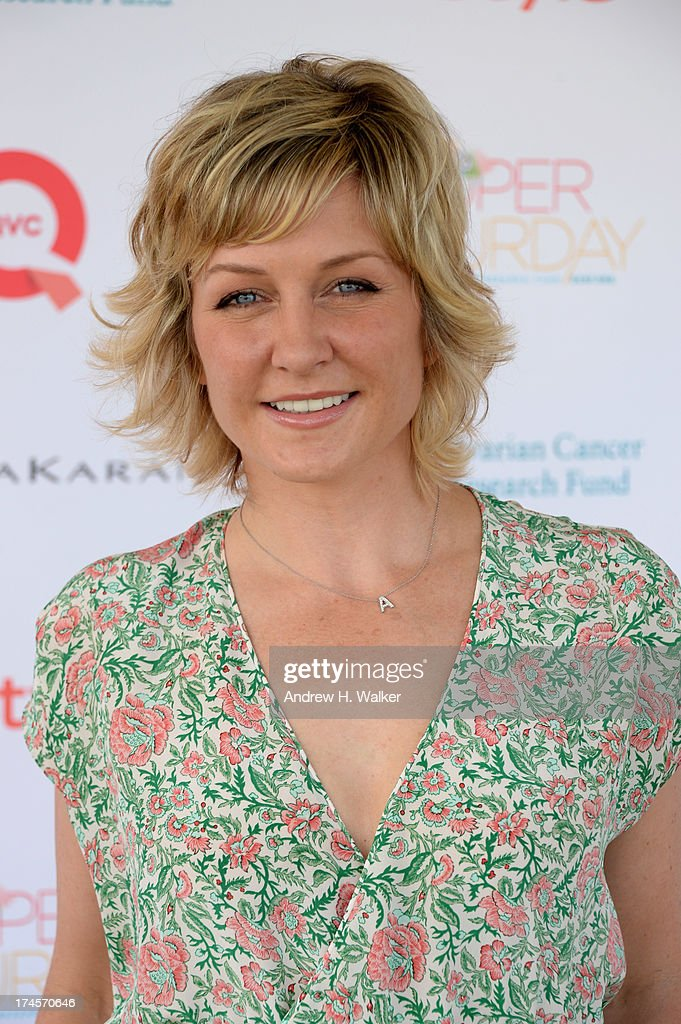 Actress <a gi-track='captionPersonalityLinkClicked' href=/galleries/search?phrase=Amy+Carlson&family=editorial&specificpeople=209042 ng-click='$event.stopPropagation()'>Amy Carlson</a> attends the Ovarian Cancer Research Fund's 16th Annual Super Saturday hosted by Kelly Ripa and Donna Karan at Nova's Ark Project on July 27, 2013 in Water Mill, NY.