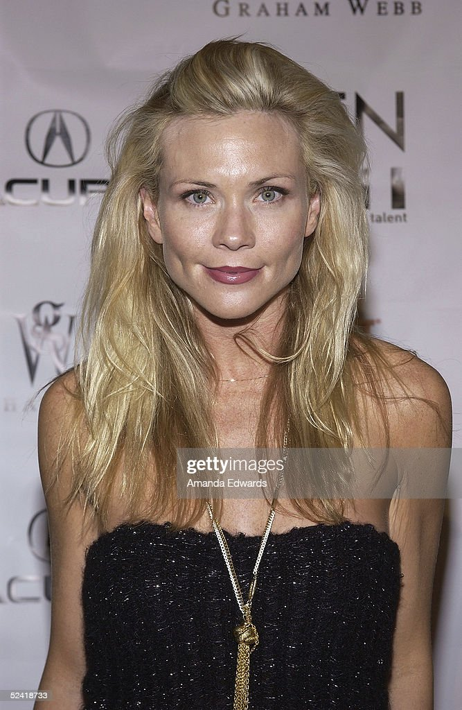 Actress Amy Locane arrives at the Gen-Art Fall 2005 LA Fashion Week Kick Off Party on March 14, 2005 at the MOCA Geffen Contemporary Museum in Los Angeles, California.