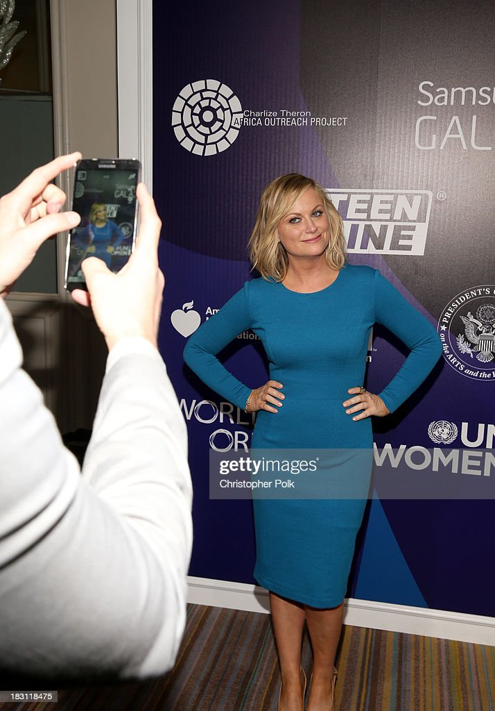 Actress <a gi-track='captionPersonalityLinkClicked' href=/galleries/search?phrase=Amy+Poehler&family=editorial&specificpeople=228430 ng-click='$event.stopPropagation()'>Amy Poehler</a> attends Samsung Galaxy at Variety's 5th Annual Power of Women event presented by Lifetime at the Beverly Wilshire Four Seasons Hotel on October 4, 2013 in Beverly Hills, California.
