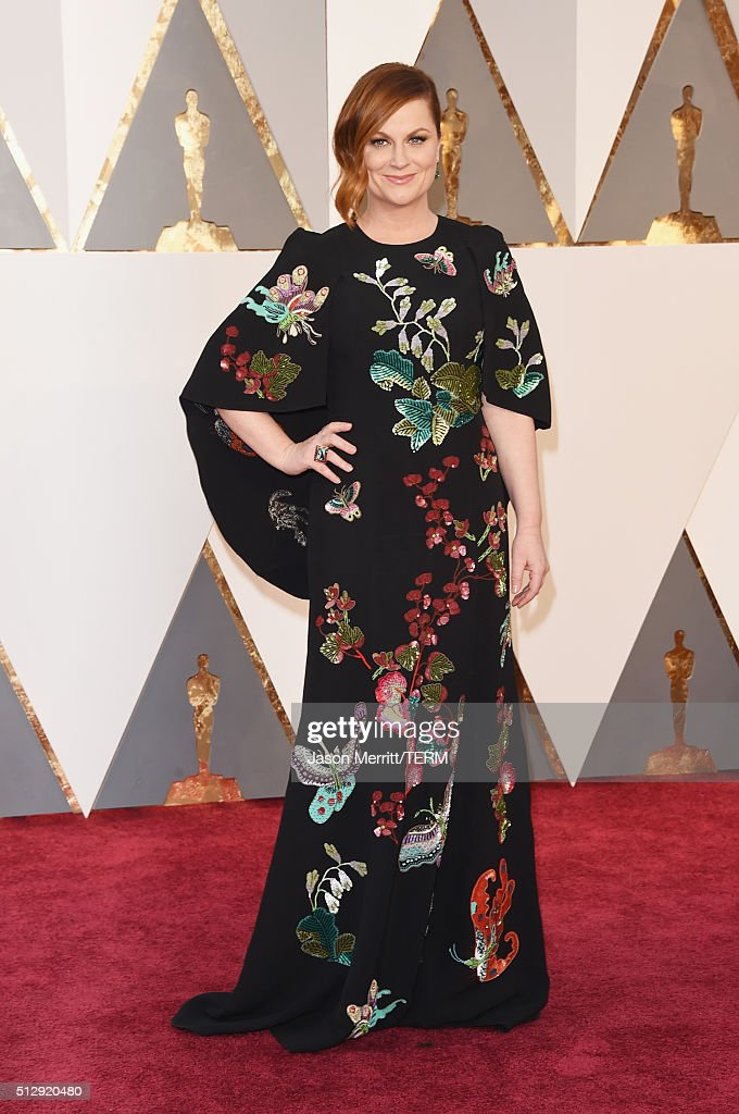Actress <a gi-track='captionPersonalityLinkClicked' href=/galleries/search?phrase=Amy+Poehler&family=editorial&specificpeople=228430 ng-click='$event.stopPropagation()'>Amy Poehler</a> attends the 88th Annual Academy Awards at Hollywood & Highland Center on February 28, 2016 in Hollywood, California.