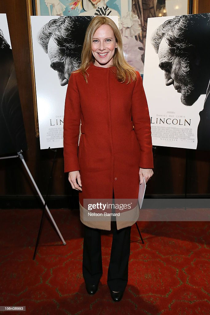 Actress Amy Ryan attends the special screening of Steven Spielberg's Lincoln at the Ziegfeld Theatre on November 14, 2012 in New York City.