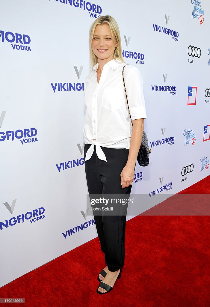 Actress <a gi-track='captionPersonalityLinkClicked' href=/galleries/search?phrase=Amy+Smart&family=editorial&specificpeople=239532 ng-click='$event.stopPropagation()'>Amy Smart</a> arrives at the 1st Annual Children Mending Hearts Style Sunday on June 9, 2013 in Beverly Hills, California.