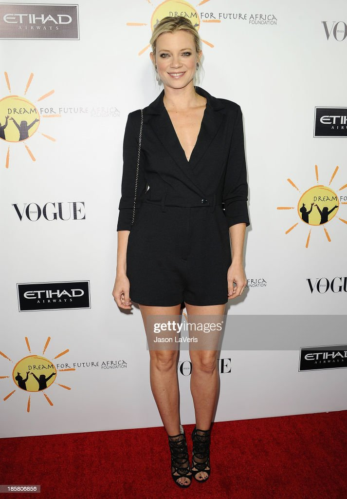 Actress <a gi-track='captionPersonalityLinkClicked' href=/galleries/search?phrase=Amy+Smart&family=editorial&specificpeople=239532 ng-click='$event.stopPropagation()'>Amy Smart</a> attends the Dream For Future Africa Foundation gala at Spago on October 24, 2013 in Beverly Hills, California.