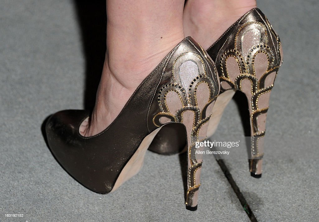 Actress Amy Smart (shoe detail) attends UCLA Institute Of The Environment And Sustainability's 2nd Annual 'An Evening Of Environmental Excellence' - Arrivals on March 5, 2013 in Beverly Hills, California.